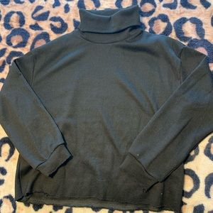 Black turtleneck semi crop sweater